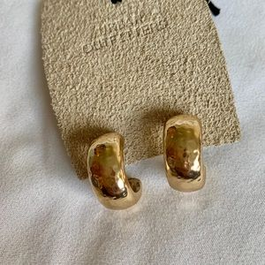 Gold plated hammered earrings